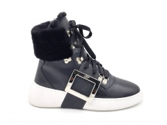 Roger Vivier Viv Skate Metal Buckle High Black/White (натур. мех)