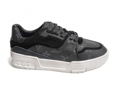 Louis Vuitton Trainer Sneaker Black/White