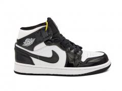 Air Jordan 1 Retro Mid Patent Black/White
