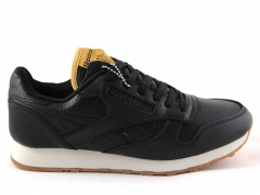 Reebok Classic Leather Black/White (с мехом)