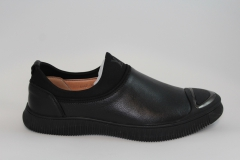 Louis Vuitton Slip-On Black